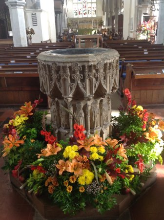 Autumn Harvest Festival Flowers Around The 14c Font Still Used For Baptisms Picture Of St Mary S Church Hitchin Tripadvisor