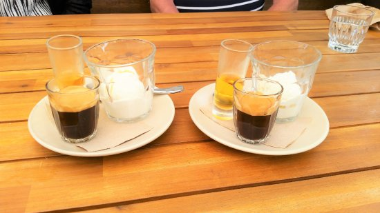 Thirroul, Australia: Affogato Coffee + Gelato