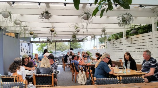 Thirroul, Australia: Restaurant outside