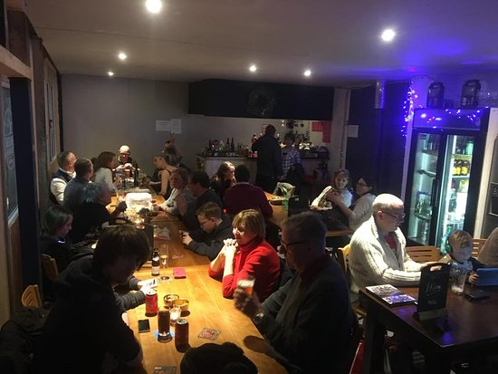 Congleton, UK: Tasting Room Full of happy Customers