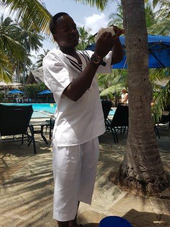 Bahari Beach Hotel: 20171222_113627_large.jpg