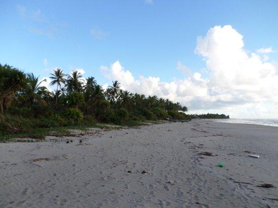 Faixa de areia da praia da Ponta da Tulha