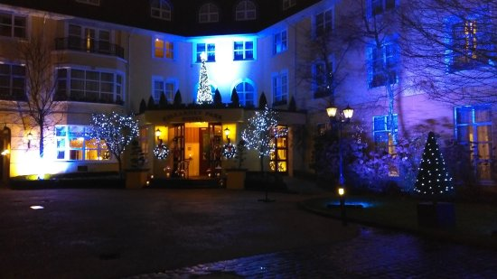 The Killarney Park Hotel: Front view at night with Christmas lights
