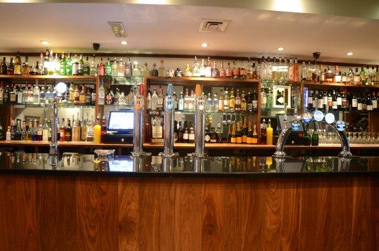 Saxtys Bar
