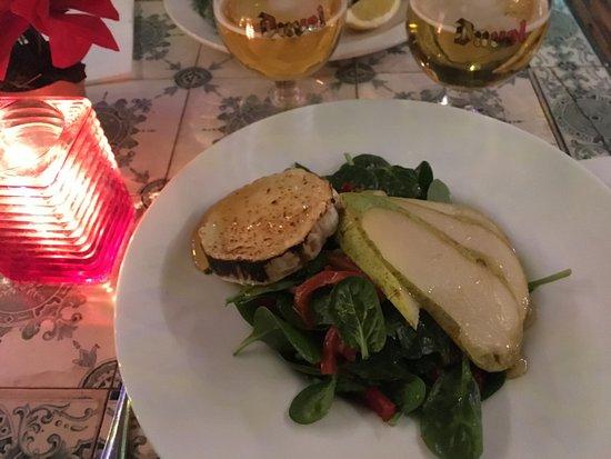 Kapitein Zeppos: Spinach salad with goat cheese