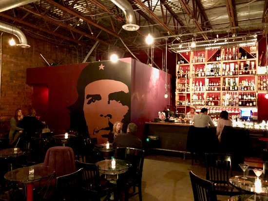 Genial The Red Door Lounge And Bar Area With Che Guevara Mural