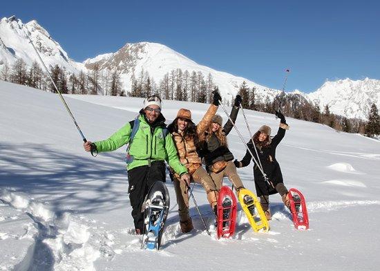 Val Masino, Italy: Camminando sulla neve ))