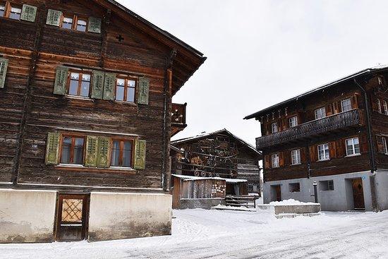 Breil/Brigels, Schweiz: Das charmante Bergdorf Brigels