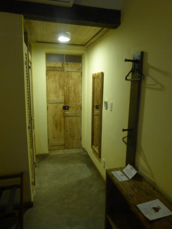 Bahiacafé Hotel: the door to the room from inside