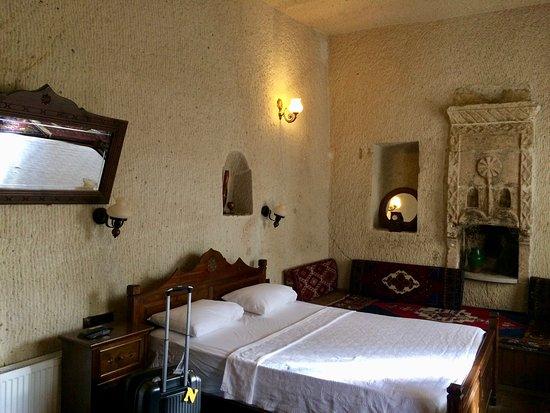 Vineyard Cave Hotel Photo