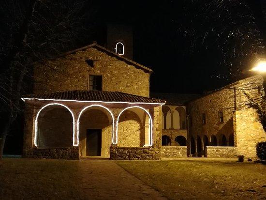 Pieve Di San Giovanni Battista : facciata vista dalla strada