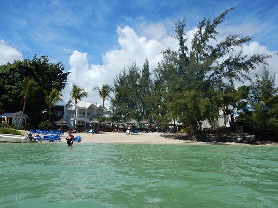 Seaview Calodyne Lifestyle Resort: La plage