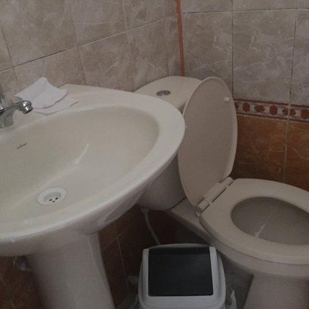 Chota, Peru: Esta es la habitación simple (individual) número 108. Está en el frontón, da a l calle y se perc