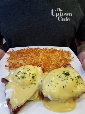 Warrenton, OR: Eggs Benedict