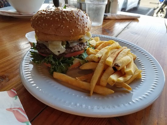 Warrenton, OR: Fresh Burgers