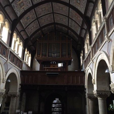 写真Church of Our Lady Queen of Martyrs and St. Ignatius枚
