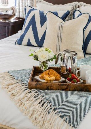 Lexington, MA: Room Service available