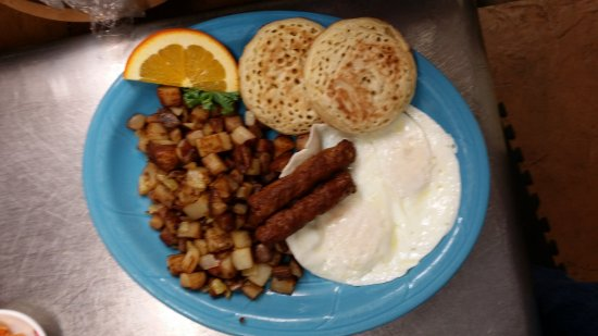 Stayton, OR: Loni favorite with sausage and crumpets