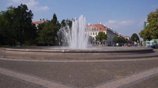 Fontane Palaisplatz