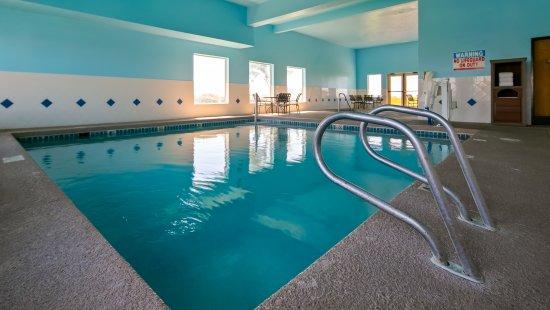 Sunnyside, WA: Indoor Pool and Hot Tub.
