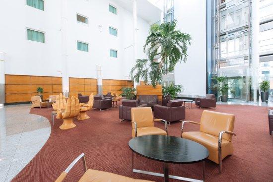 Arora Hotel Gatwick / Crawley: Lobby Area