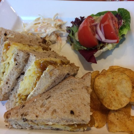 Rothley, UK: Delicious lunch, great side salad