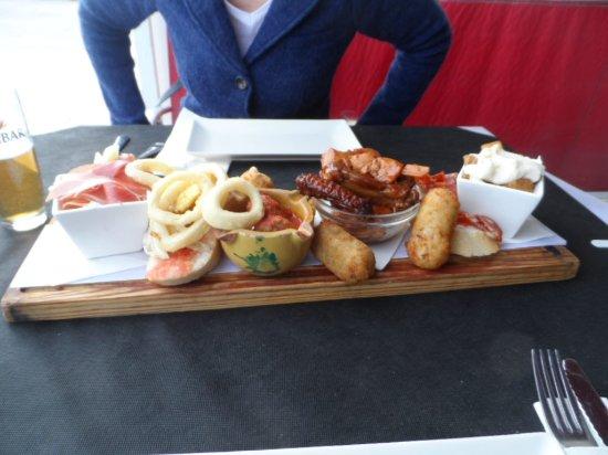 La Tableria: Tapas board for two