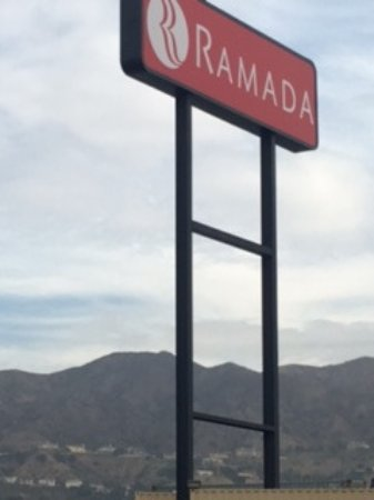 Ramada by Wyndham Burbank Airport: View from the Hotel