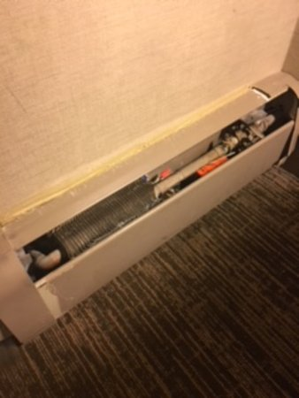 The Westin Snowmass Resort: heater in room literally looks like this, a piece of garbage for a resort