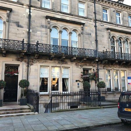 The Chester Residence: photo0.jpg