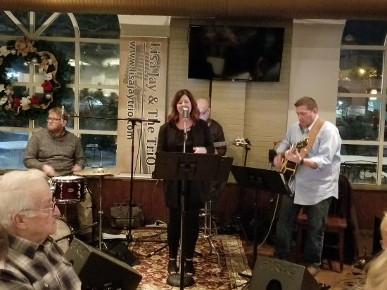 Beaver, เพนซิลเวเนีย: The band they had on New Year's eve (Lisa Jay and the trio). Great band.