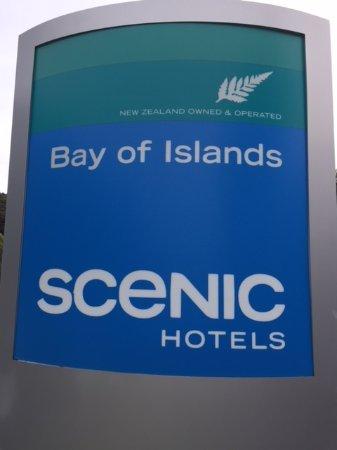 Scenic Hotel Bay of Islands: Scenic hotel sign