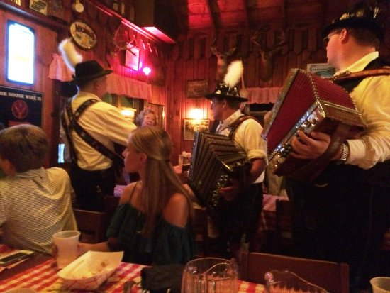Round Top, NY: Live entertainment at MB