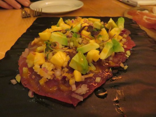 Central Michel Richard: Ahi Tuna Carpaccio