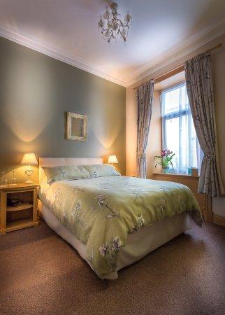 Lakeview Guesthouse: Double en-suite room.