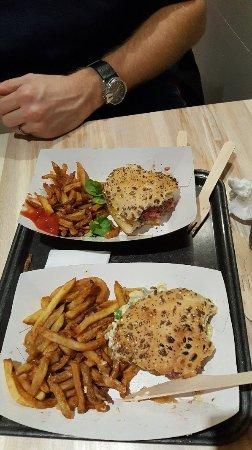 Restaurant burgerscafe dans quimper avec cuisine for Cuisine quimper