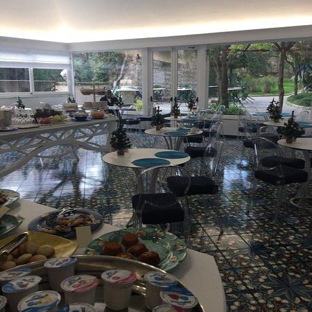 Antiche Mura Hotel: Sala colazione e proposta buffet dilci a colazione