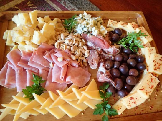 Helsingfors: appetizer plate in front of the fire