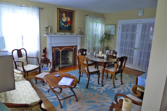 dining and living room picture of cooney cottage newport