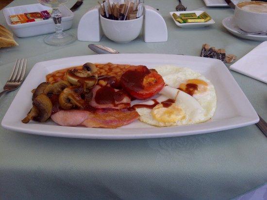Aurora Hotel: The best breakfast going in Nairn (brown sauce optional)