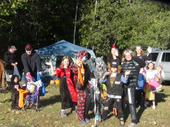 Covert, MI: Lots of trick-or-treaters