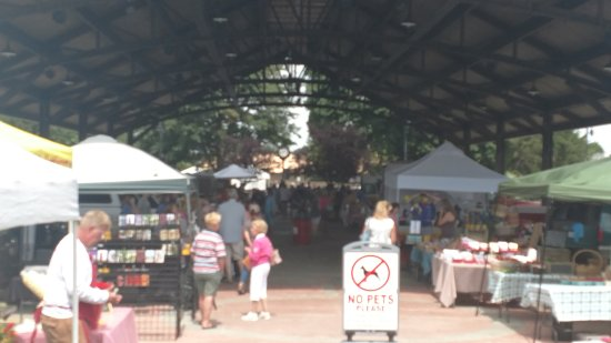 Covert, MI: Downtown South Haven's Farmers Market -  locally grown produce, amazing baked good and beautiful