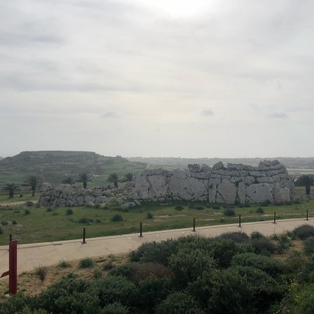 Ggantija Megalithic Temples: photo0.jpg