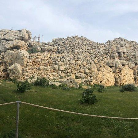 Ggantija Megalithic Temples: photo2.jpg