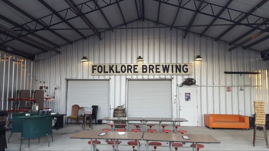 Dothan, AL: The Front Porch at Folklore! Great outdoor venue! Inside is chill and nice too.