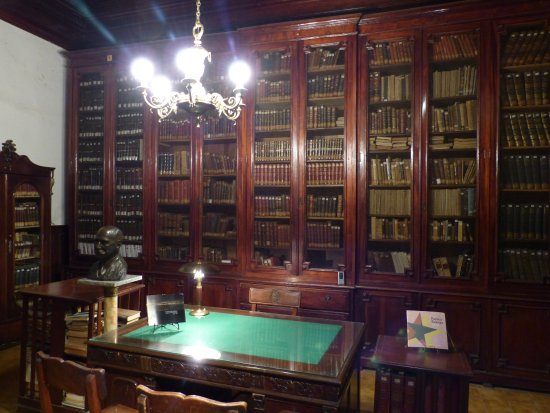 "Provincial Museum of Fine Arts ""Dr. Juan R. Vidal"""