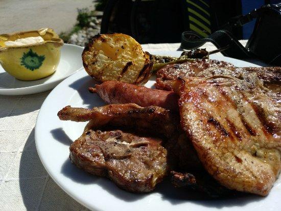 Bellver de Cerdanya, Spanje: Carne a la brasa