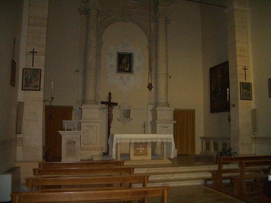 Баньо-Виньони, Италия: interno chiesa