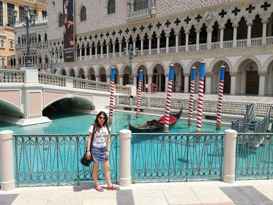 The venetian las vegas 159 2 8 9 updated 2018 for Pool show las vegas 2018