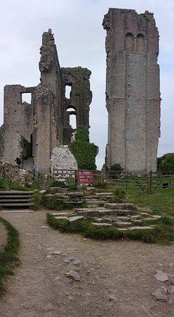 Corfe Castle, UK: Beautiful ruins